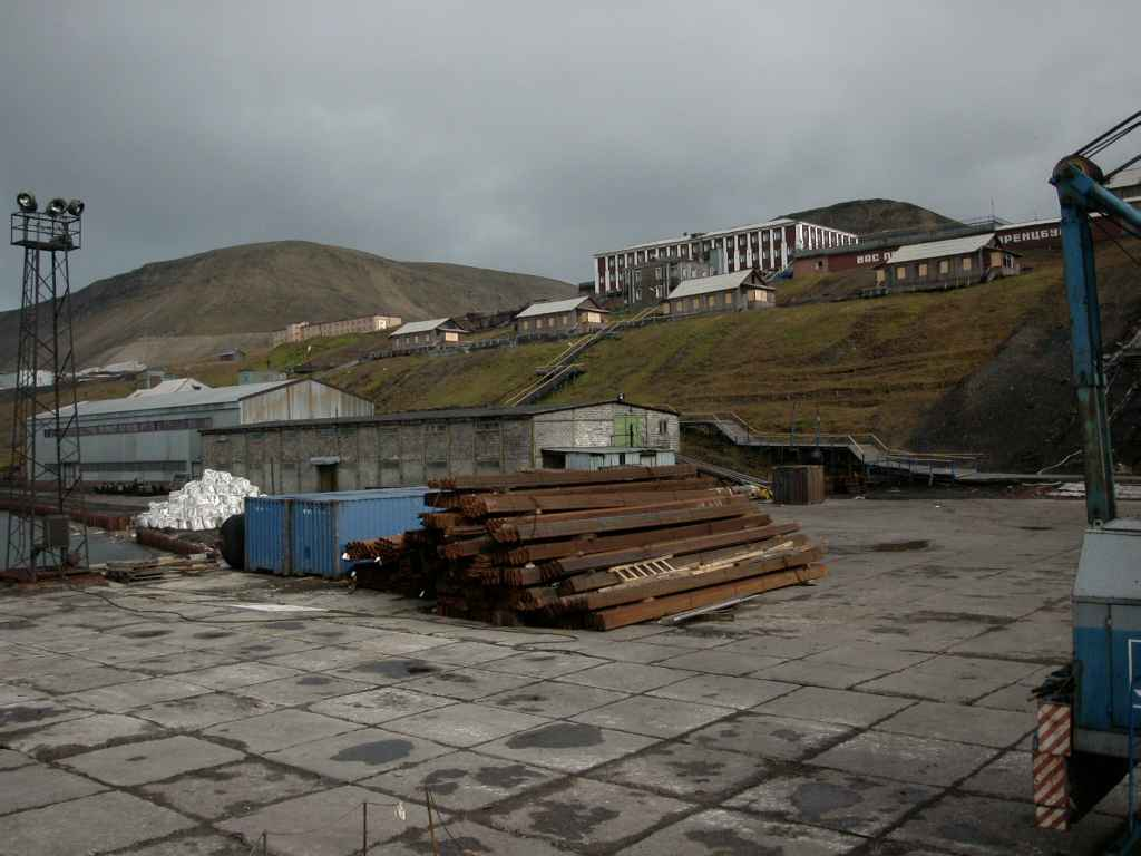 Barentsburg_haven3.jpg