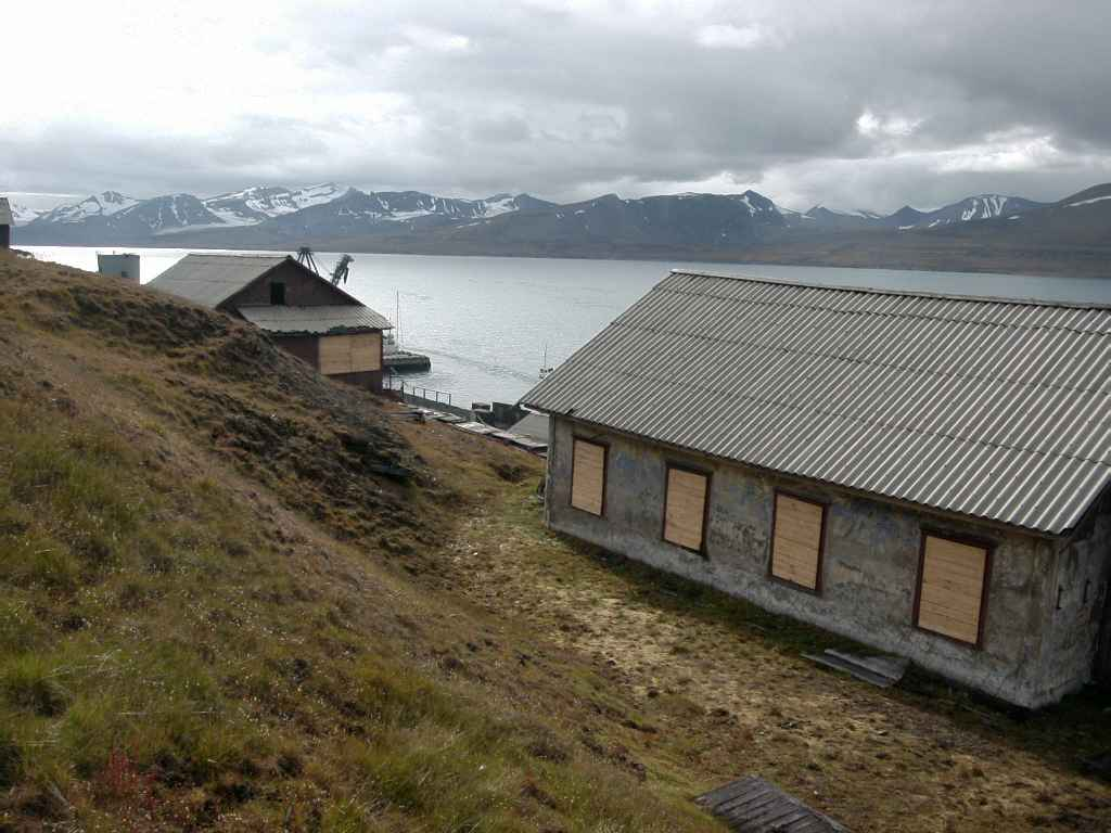 Barentsburg_haven4.jpg
