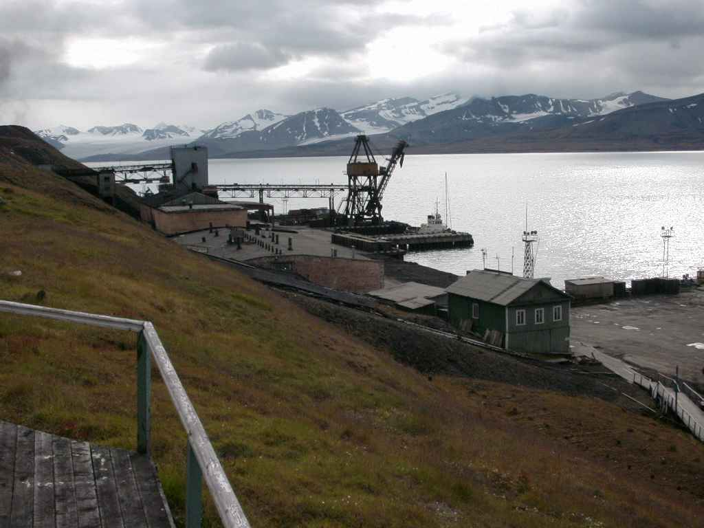 Barentsburg_haven6.jpg